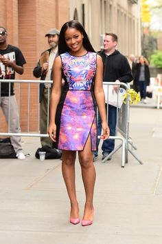 From feathered hats to silk pajamas, check out this week's best dressed celebs! Girl Fashion Style, Love Fashion, Fashion Outfits, Keke Palmer, Nice Dresses, Summer Dresses, Celebrity Look, Looks Style, Black Is Beautiful
