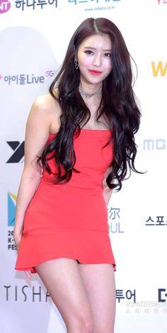 Formal Hairstyles For Long Hair, Long Hair Styles, Kpop Girl Groups, Kpop Girls, Lovelyz Mijoo, Asian Model Girl, Beautiful Asian Women, Sexy Asian Girls, Asian Style