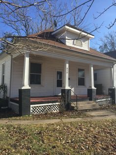 Great for Investors or First Time Homebuyers!   2 bedroom &1 bath home with a formal dining room.  Located in a quiet Joplin, Missouri neighborhood.  $39,900   Call Rhonda Thompson- Pro 100 Realtors 417-622-2850