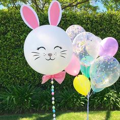Happy Easter   ....... We just loved this easter rabbit by @belleame_balloons and had to share it with you all. Toooo cute not to share