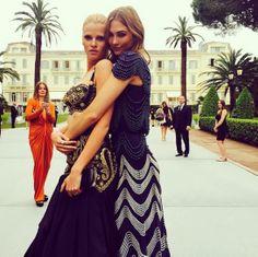 Lara Stone et Karlie Kloss au Gala de l'amfAR http://www.vogue.fr/mode/mannequins/diaporama/la-semaine-des-tops-sur-instagram-28/18933/image/1004222#!lara-stone-et-karlie-kloss-au-gala-de-l-039-amfar