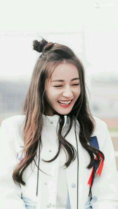 Highest Rank : in SMA Category in badboy category in perfect… # Cerita pendek # amreading # books # wattpad Beautiful Chinese Girl, Beautiful Person, Cute Girl Poses, Cute Girls, Women In China, China Girl, Asian Celebrities, Chinese Actress, Kawaii Girl