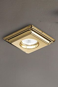 Classic spot, square base in polished brass Murano Glass, Classic Lighting, Wall Lights, Ceiling Lights, Spots, Led, Polished Brass, Classic Style, Chandelier