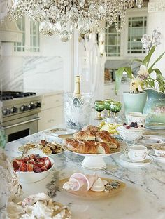 Fabulous Mother's Day Brunch ideas! Image via Better Homes & Gardens @Better Homes and Gardens #laylagrayce #entertaining