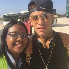 30.08.2015 Neymar & Fan am Flughafen in Barcelona #repost #instagram @morgy25