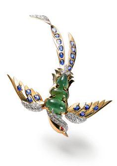 Bird clip brooch, 1944  Gold, platinum, diamonds, emeralds, sapphires, rubies  N. Welsh, Collection Cartier