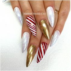 LOVING these Christmas nails