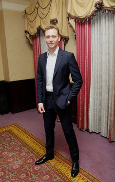 liferuiners — tomfighter:   Tom Hiddleston poses at a photocall...