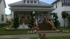 IDEAS & INSPIRATIONS: Outdoor Halloween Decorations With Pumpkins Ghost On The Yard - Outdoor Halloween Decorations