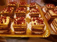 Fotografiile apartin doamnei Isabela Condrea din Dorohoi Ingrediente pentru foi : 10 albuşuri, 300 gr zahăr, 300 gr nucă măcinată, 4 linguri rase cu făină, o linguriţă amoniac Ingrediente pentru crema: 250 gr unt cu peste 80% grăsime, 10 galbenuşuri, 300 gr zahăr, 250 ml lapte, 2 linguri cu vârf amidon alimentar Ingrediente pentru Krantz … Romanian Desserts, Tiramisu, Waffles, Sweet Treats, Breakfast, Ethnic Recipes, Food, Workshop, Pies