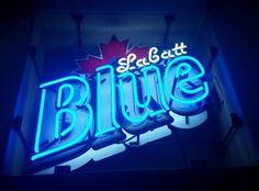 Vintage Labatt Labatts blue neon beer sign