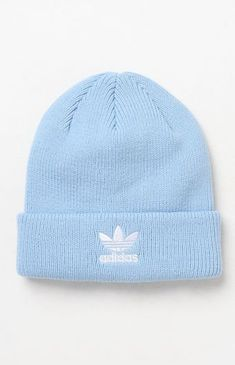 adidas helps you maintain your cool and casual style with their classic Trefoil Knit Beanie. This essential beanie is complete with a soft, ribbed knit fabric, fold-over cuff, and a Trefoil logo embroidery at the front. Lazy Outfits, Teen Fashion Outfits, Teenager Outfits, Trendy Outfits, Cute Outfits, Knit Beanie, Beanie Hats, Beanie Babies, Brim Hat