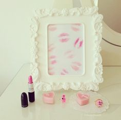 This would be super cute on a vanity!! <3