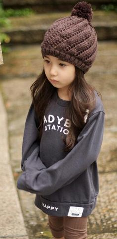 Aleyna Yilmaz. Pretty Ulzzang Kid .... Dark but fashionable