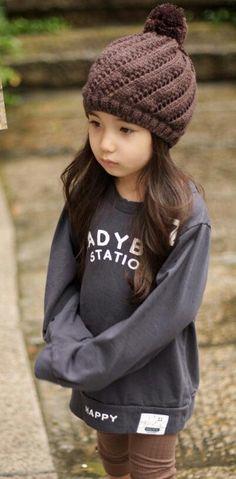 Aleyna Yilmaz. Pretty Ulzzang Kid .... Dark but fashionable