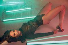 Megan Fox's perfect legs in sexy pumps Megan Fox Legs, Megan Fox Hot, Megan Fox Images, Megan Fox Pictures, Merritt Patterson, Sienna Guillory, Stacy Keibler, America's Next Top Model, Perfect Legs