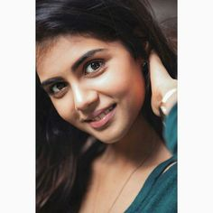 Cutest Kalyani Priyadarshan 2018 New HD Images - Gethu Cinema All Indian Actress, Indian Actress Gallery, Indian Actresses, Bollywood Girls, Bollywood Actress Hot, Stylish Girl Images, Stylish Girl Pic, Girl Photo Poses, Girl Photography Poses