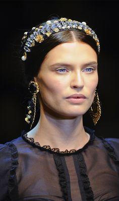 Dolce & Gabbana Closeup Runway Collection Fall Winter 2012-2013 at Milan Fashion Week 3