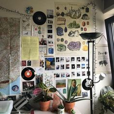 Image in room inspo collection by Rika on We Heart It Room Ideas Bedroom, Bedroom Inspo, Diy Bedroom Decor, Cozy Bedroom, Uni Room, Dorm Room, Grunge Room, Pretty Room, Room Goals