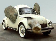 funny-elephant-sitting-inside-the-car.jpg (600×441)
