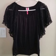 Sexy Black Lace Sleeve Top Brand New, Never Worn Size Medium Black Top with beautiful Lace Sleeves. Perfect for a night out with heels or just to go shopping in, can be dressed up or down easily. Heart Soul Tops Blouses