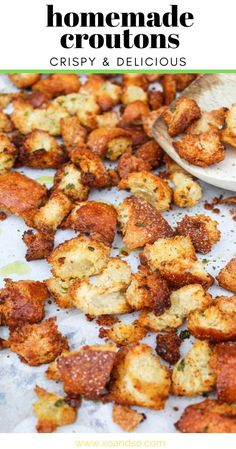 It only takes a few minutes to make your own homemade croutons and the little bit of extra effort compared to buying them at the grocery store is SO worth it! Vegetarian Comfort Food, Vegetarian Side Dishes, Vegetarian Recipes, Cooking Recipes, Homemade Garlic Butter, Homemade Croutons, Homemade Recipe, Healthy Salad Recipes, Juice Recipes