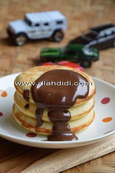 Diah Didi's Kitchen: Pancake Lembut dan Empuk Dengan Buttermilk