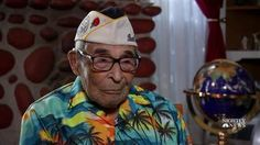 Three years ago, veteran Ray Chavez started getting into shape with the help of a trainer — putting on 20 pounds of muscle — to make the trip to Hawaii for the anniversary of Pearl Harbor at age American Revolutionary War, American Civil War, American History, Pearl Harbor Survivors, Pearl Harbor Day, Uss Arizona, Bulk Up, Civil War Photos, Military Art