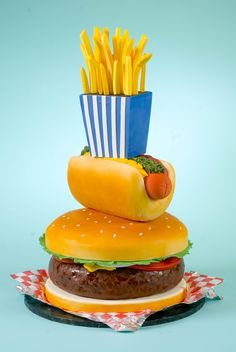 BURGER FRIES AND HOT DOG CAKE! I want this for my birthday love, Kimm