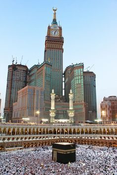 Clock Royal Tower Hotel, Makkah has 591m height & is a 2nd most highest tower in the world after Burj Khalifa in Saudi.    :-) #sourcesfromskycrapersmuseum