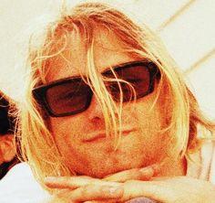 he looks like one of those zen cats! Beautiful Boys, Pretty Boys, Virgo, Kurt And Courtney, Donald Cobain, Nirvana Kurt Cobain, Smells Like Teen Spirit, Matthew Gray Gubler, Dave Grohl