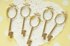 5 pcs Oval Key Open Bezel Charm for Resin Filling by misssapporo