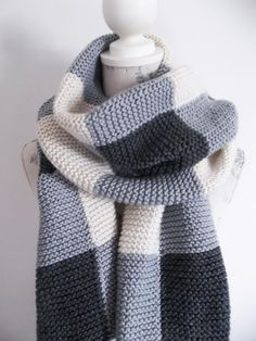 Aran Check Scarf Knitting pattern by Audrey Wilson Intarsia Knitting, Arm Knitting, Christmas Knitting Patterns, Sweater Knitting Patterns, Baby Scarf, Vogue Knitting, Checked Scarf, Dress Gloves, Yarn Brands
