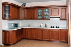 Depending on your needs and criteria, the best material for kitchen cabinets can vary between plywood, MDF and natural wood. Kitchen Cupboard Designs, Kitchen Sink Design, Best Kitchen Designs, Home Decor Kitchen, Interior Design Kitchen, Kitchen Furniture, Furniture Stores, Kitchen Cabinets Materials, Modern Kitchen Cabinets