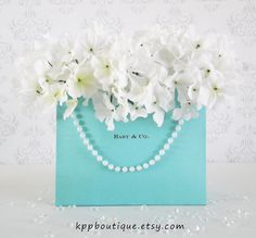 Our Baby & Co. Gift Bags make great centerpieces or photo props for your next Tiffany inspired bash! We laser print your personalized logo on quality matte labels and attach to both sides of our high Tiffany Blue Party, Tiffany Theme, Tiffany & Co., Tiffany Baby Showers, Baby Shower Gift Bags, Shower Baby, Personalized Gift Bags, Tiffany's Bridal, Bridal Luncheon