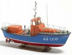 The Billings Waveney Class Lifeboat ship model kit accurately recreates the real life vessel built at the Coast Guard shipyard in Curtis Bay, Maryland, USA. When complete, the model measures 36.3cm long, 23.6cm high and 10.7cm wide.