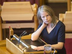 KREVER KUTT: Stortingsrepresentant Kirsti Bergstø (SV) mener Navs konsulentbruk ikke kan forsvares, og ber arbeidsministeren ta grep.