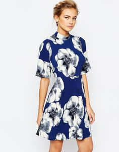 Closet A-line Mini Dress in Overscale Floral with Kimono Sleeve