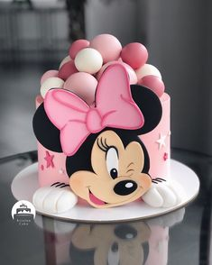 Bolo Da Minnie Mouse, Bolo Mickey, Minnie Mouse Birthday Cakes, 1st Birthday Cake For Girls, Mickey Mouse Cake, Minnie Mouse Cake, Disney Cakes, Girl Cakes, Themed Cakes