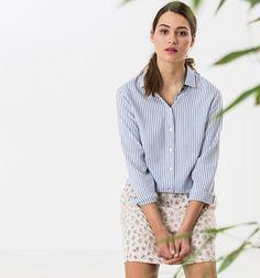 Look féminin boyish   chemise rayée et jupe jacquard, à porter avec des  baskets basses ou des talons – Taaora – Blog Mode, Tendances, Looks eed5826cec72