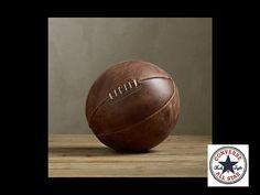 MUNDO CONVERSE ¿Por qué Chuck Taylor era tan importante para la marca Converse como lo fue para el deporte del Basketball? Así es Chuck Taylor fue quien inventó el primer balón para basketball con costuras. www.converse.com.mx