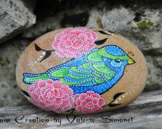 Galet peint à la main - oiseau bleu et vert / Hand painted pebble - Blue and green bird - Modifier une fiche produit - Etsy