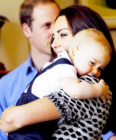 This is said to be the duchess' favourite picture of their tour :) such a sweet candid photo of them