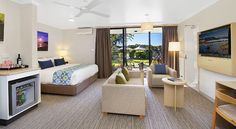 The new refurbished Sails Garden Studio at Rydges Port Macquarie. Port Macquarie, Garden Studio, Hotel Offers, Sailing, Room, Furniture, Home Decor, Candle, Bedroom