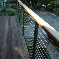 Deck Railings Design, Pictures, Remodel, Decor and Ideas - page 8 Deck Railing Design, Modern Railing, Modern Deck, Balcony Railing, Deck Railings, Balcony Design, Deck Design, Mid-century Modern, Cable Railing