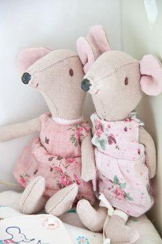 Mus, flicka i rosa [Maileg]