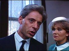 BANÁNHÉJKERINGŐ   (1986)   magyar filmszatíra  (teljes film)  R.: BACSÓ PÉTER Látlelet a nyolcvanas évekből: a sikeres, jóképű Kondacs doktor rossz helyen, rossz időben jót cselekszik. Az eredmény - elmaradt esküvő, politikai megbízhatatlanság, elveszített állás, rendőrségi ügy. A megoldás - Lipótmező. Actors & Actresses, Music, Youtube, Musica, Musik, Muziek, Music Activities, Youtubers, Youtube Movies