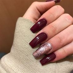 75 Winter Nails inspire every 75 Winter Nails Amaze Everyone Red matte nails with a little gli . Red Matte Nails, Red Stiletto Nails, Red Acrylic Nails, Burgundy Nails, Acrylic Nail Designs, Nail Art Designs, Nails Design, Burgundy Wine, Burgundy Color