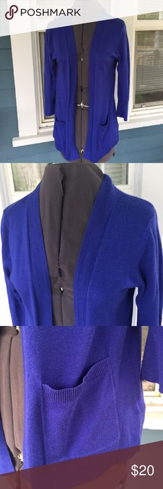 """MERONA Royal Blue Open Cardigan Sweater MERONA Royal Blue Open Cardigan Sweater.   3/4 sleeves.  Front pockets.  Royal blue acrylic/rayon/polyester blend fiber knit.   Shoulder width 16"""". Pit-to-pit 18"""".  Length 25"""" (shoulder to hem).  Great condition. Merona Sweaters Cardigans"""