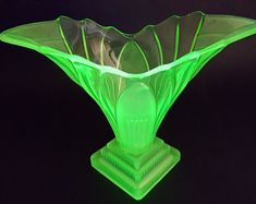 Details about Large Green VaselineUranium Glass Citrus JuicerReamer 8 34